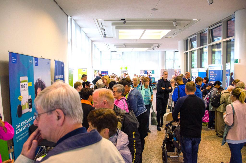Übersicht der Besucher beim Düsseldorfer Diabetes-Tag in der Handwerkskammer Düsseldorf
