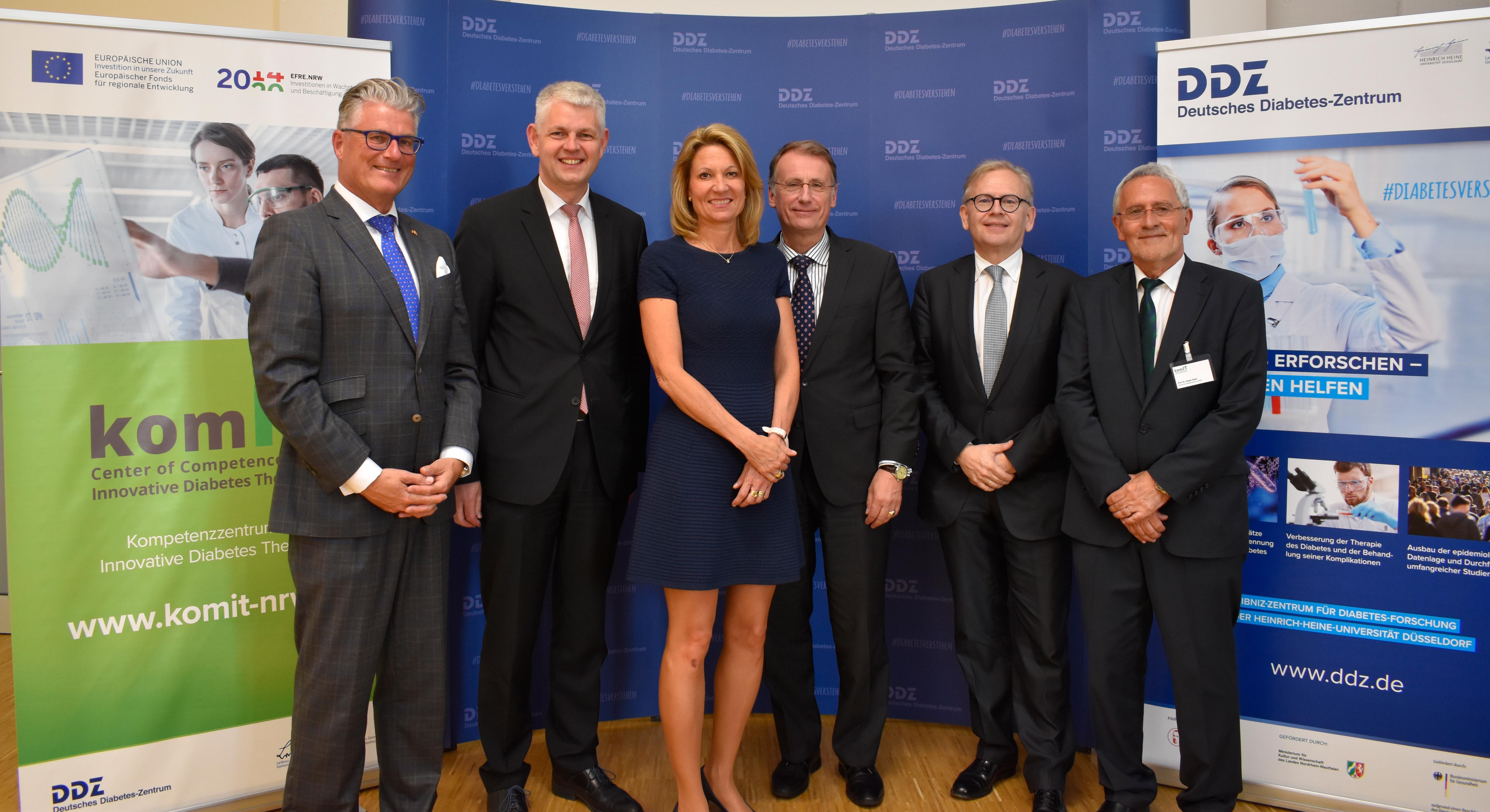 v.l.n.r. Prof. Meyer-Falcke, Herr Christoph Dammermann, Prof. Dr. Anja Steinbeck, Prof. Dr. D. Müller-Wieland, Prof. Dr. Roden, Prof. Dr. Eckel